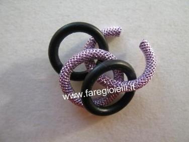 braccialetto-con-guarnizioni-di-gomma