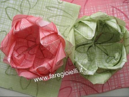 fiori con tovaglioli di carta