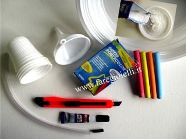 come fare braccialetti con tubicini di plastica riempiti di sale