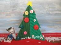 Alberi Di Natale Fai Da Te Con Materiale Riciclato