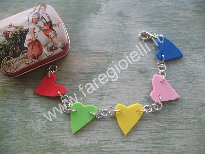 braccialetto-con-cuori-di-gomma-N2