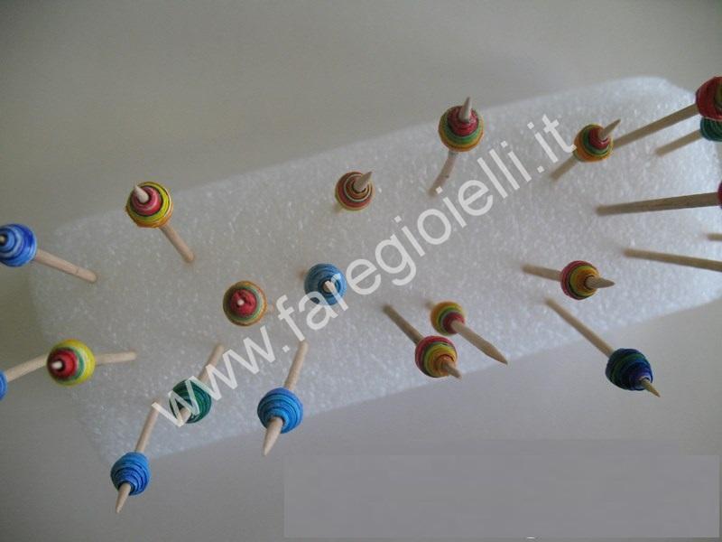 tutorial-perle-carta-con-pennarelli-7