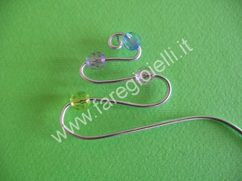 tutorial orecchini con fili metallici-9